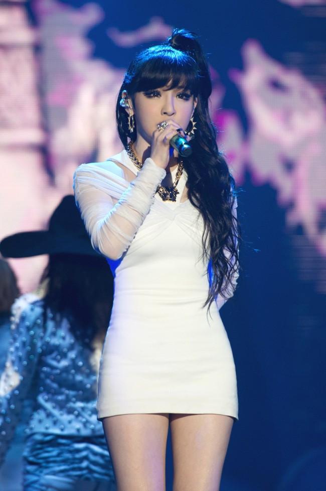 Nữ ca sĩ nổi tiếng bị báo chí Hàn miêu tả như búp bê tình dục gây phẫn nộ - Ảnh 5.