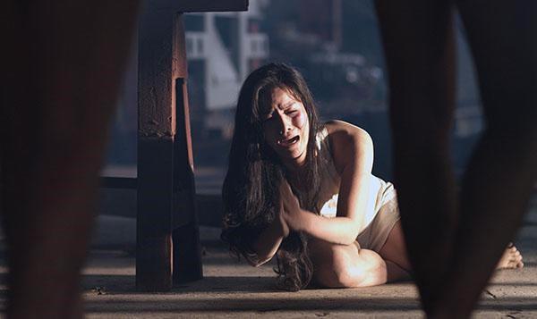 Nỗi ám ảnh của mỹ nhân Việt khi phải quay cảnh nóng hàng tiếng đồng hồ - Ảnh 2.