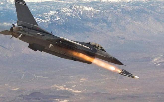 Israel đánh sập hệ thống PK Syria, S-300 Nga trố mắt đứng nhìn? - Ảnh 1.