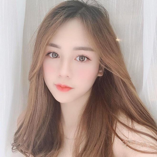 Hội girl xinh Việt lọt tầm ngắm netizen Trung: Người được ví giống Linh Ka, người kiếm sương sương 70 triệu/tháng - Ảnh 2.
