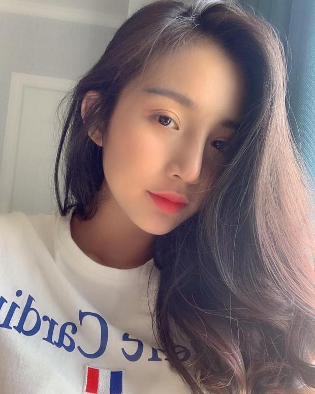 Hội girl xinh Việt lọt tầm ngắm netizen Trung: Người được ví giống Linh Ka, người kiếm sương sương 70 triệu/tháng - Ảnh 13.