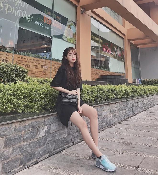 Hội girl xinh Việt lọt tầm ngắm netizen Trung: Người được ví giống Linh Ka, người kiếm sương sương 70 triệu/tháng - Ảnh 3.