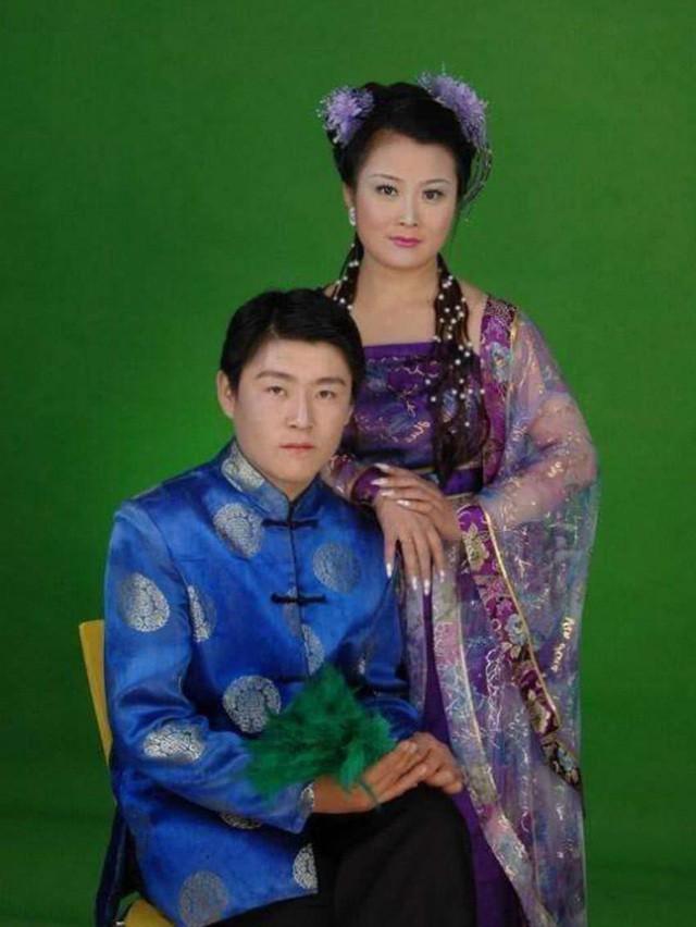 Chủ tịch đóng giả dân thường đi cua gái và đám cưới không thể tin nổi của tỷ phú giàu thứ nhì Trung Quốc - Ảnh 3.