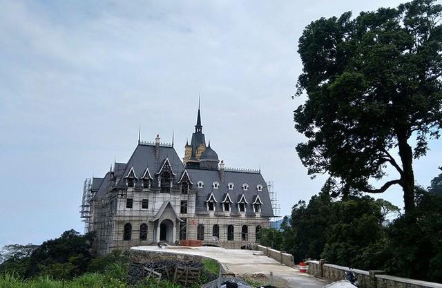 Lộ diện đại gia BĐS, ông chủ tòa lâu đài khủng trên đỉnh Tam Đảo  - Ảnh 3.