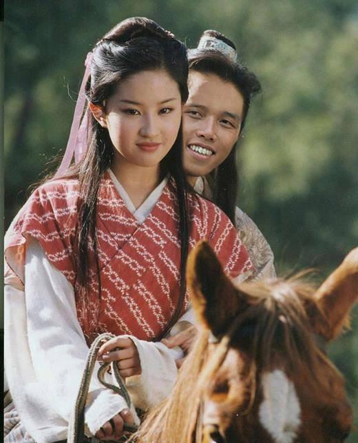 Cười đau ruột với thánh photoshop mặc quần đùi hoa chuyên chế ảnh troll Chi Pu trên mọi mặt trận, còn dân mạng thì không thể sung sướng hơn - Ảnh 27.