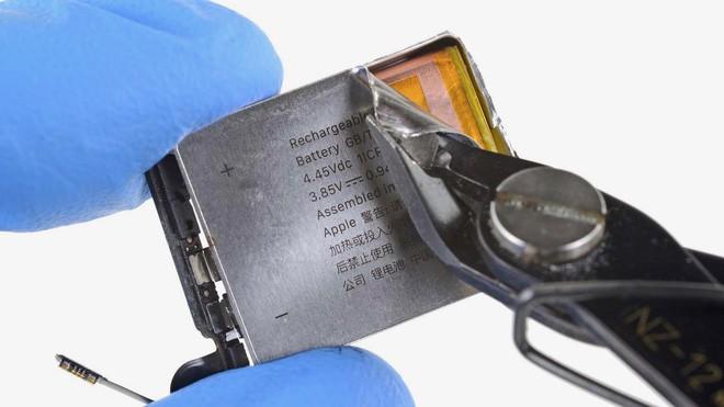 Chỉ một thay đổi nhỏ về thiết kế, Apple Watch phiên bản 40mm mới đã tăng thêm 10% dung lượng pin - Ảnh 2.