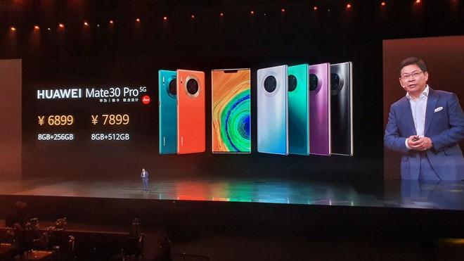 Sếp Huawei chê Mi Mix Alpha không thực tế, sếp Xiaomi liền dè bỉu Mate 30 RS - Ảnh 1.