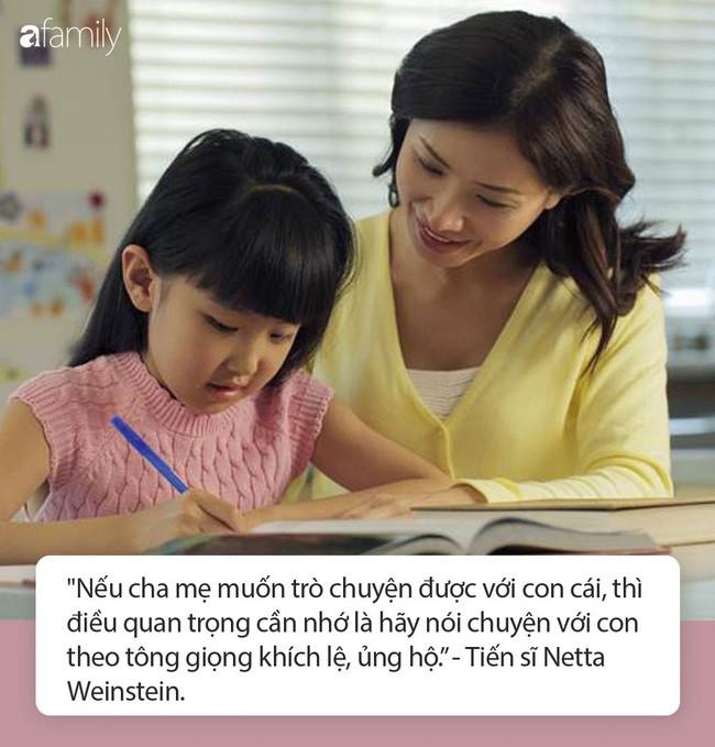 Nghiên cứu mới của các nhà khoa học Anh: Muốn con ngoan ngoãn đi học bài, các mẹ hãy chỉnh ngay... tông giọng - Ảnh 1.