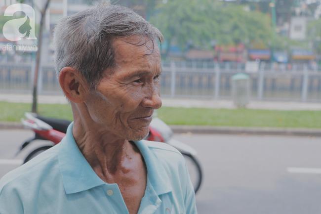 Chuyện người con trai 76 tuổi đạp xích lô nuôi mẹ già: Tiền dùng hết rồi có thể kiếm lại, chứ mẹ mình chỉ có một mà thôi - Ảnh 17.