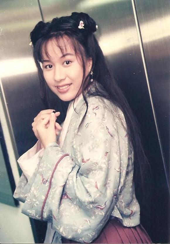 Nam thần của các bà nội trợ Lưu Khải Uy: Phía sau cuộc hôn nhân lạnh lẽo với Dương Mịch là hình ảnh người cha cô đơn gác lại sự nghiệp vì con gái nhỏ - ảnh 2
