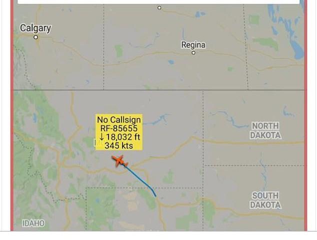 Máy bay do thám Nga thảnh thơi chụp ảnh căn cứ tên lửa hạt nhân tối mật của Mỹ - Ảnh 6.