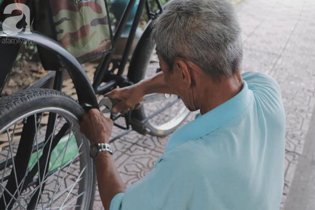Chuyện người con trai 76 tuổi đạp xích lô nuôi mẹ già: Tiền dùng hết rồi có thể kiếm lại, chứ mẹ mình chỉ có một mà thôi - Ảnh 10.