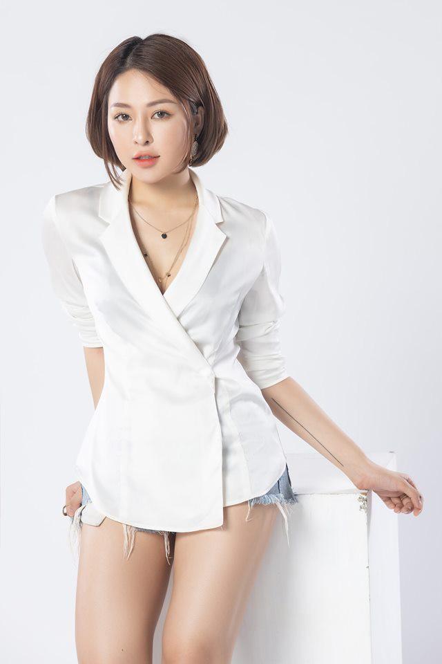 Sau scandal lộ clip nhạy cảm, hot girl Trâm Anh lần đầu tung ra bộ ảnh trưởng thành và gợi cảm - Ảnh 4.