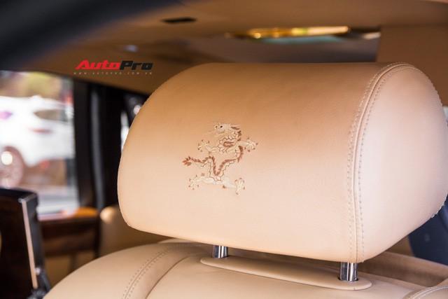 Khám phá Rolls-Royce Phantom độ phiên bản rồng, mạ vàng giá 15 tỷ tại Hà Nội - Ảnh 2.
