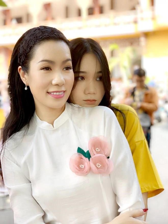 Nhan sắc khả ái của con gái Á hậu Trịnh Kim Chi: Lột xác từ cô bé mũm mĩm da ngăm thành thiếu nữ 17 tuổi cao 1m72 - Ảnh 18.