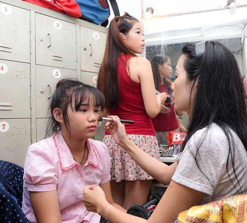 Nhan sắc khả ái của con gái Á hậu Trịnh Kim Chi: Lột xác từ cô bé mũm mĩm da ngăm thành thiếu nữ 17 tuổi cao 1m72 - Ảnh 20.