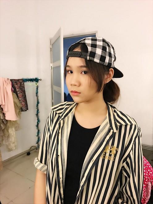 Nhan sắc khả ái của con gái Á hậu Trịnh Kim Chi: Lột xác từ cô bé mũm mĩm da ngăm thành thiếu nữ 17 tuổi cao 1m72 - Ảnh 22.
