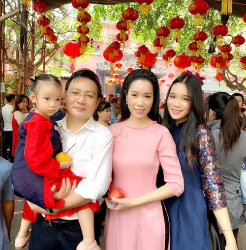 Nhan sắc khả ái của con gái Á hậu Trịnh Kim Chi: Lột xác từ cô bé mũm mĩm da ngăm thành thiếu nữ 17 tuổi cao 1m72 - Ảnh 23.