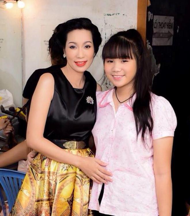 Nhan sắc khả ái của con gái Á hậu Trịnh Kim Chi: Lột xác từ cô bé mũm mĩm da ngăm thành thiếu nữ 17 tuổi cao 1m72 - Ảnh 5.
