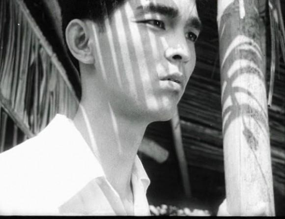 NSND Thế Anh: Hoàng tử điện ảnh đào hoa bậc nhất, nụ cười hút hồn, đôi mắt mê đắm - Ảnh 9.