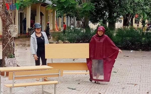 Hơn 26.000 học sinh Hà Tĩnh phải nghỉ học vì xả lũ thủy điện Hố Hô - Ảnh 1.