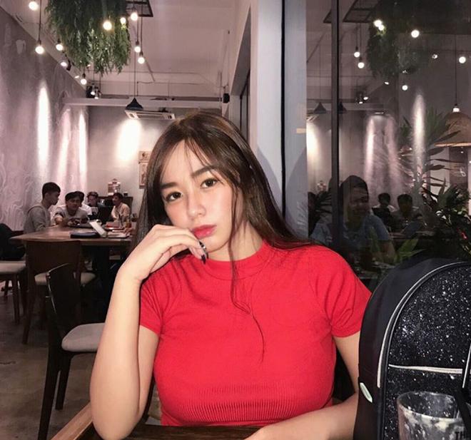 """VZN News: Dàn girl xinh có vòng 1 """"khủng"""" xấp xỉ 100cm: Người được netizen quốc tế truy lùng, người cực giỏi kinh doanh - Ảnh 19."""