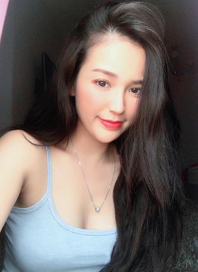 """VZN News: Dàn girl xinh có vòng 1 """"khủng"""" xấp xỉ 100cm: Người được netizen quốc tế truy lùng, người cực giỏi kinh doanh - Ảnh 4."""