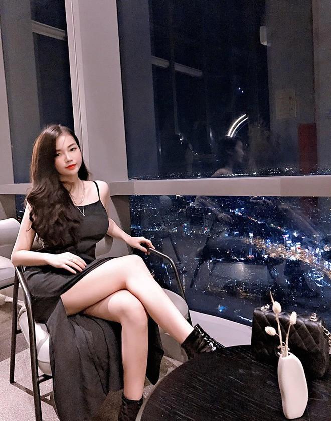 """VZN News: Dàn girl xinh có vòng 1 """"khủng"""" xấp xỉ 100cm: Người được netizen quốc tế truy lùng, người cực giỏi kinh doanh - Ảnh 6."""