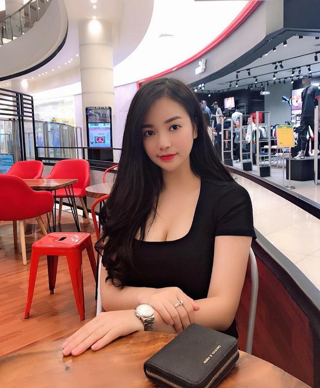 """VZN News: Dàn girl xinh có vòng 1 """"khủng"""" xấp xỉ 100cm: Người được netizen quốc tế truy lùng, người cực giỏi kinh doanh - Ảnh 7."""