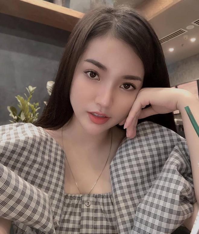 """VZN News: Dàn girl xinh có vòng 1 """"khủng"""" xấp xỉ 100cm: Người được netizen quốc tế truy lùng, người cực giỏi kinh doanh - Ảnh 10."""