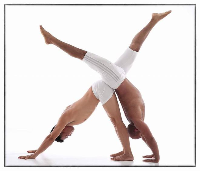 Bài tập thể dục buổi sáng của cao thủ Yoga: Làm sạch hệ tiêu hóa, ngăn ngừa nhiều bệnh - Ảnh 1.