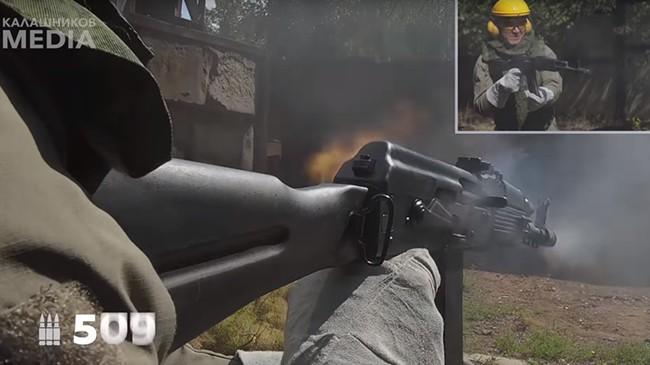 """Nga chứng minh sức mạnh """"đáng gờm"""" của súng trường tấn công AK-74M - Ảnh 1."""