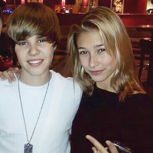 1 thập kỷ đã biến Hailey Baldwin từ fan cuồng ship Jelena thành cô dâu nắm tay Justin Bieber vào lễ đường như thế nào? - Ảnh 3.