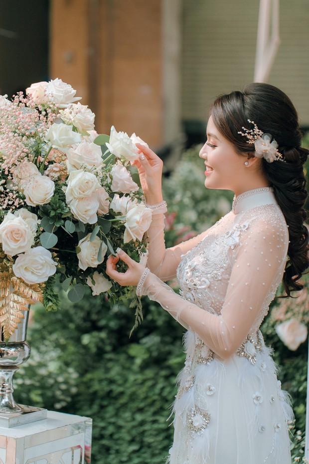 Soi nhan sắc 3 cô dâu sắp theo chàng về dinh: Mie Nguyễn như công chúa bước ra từ cổ tích, nữ giảng viên Hà My lại sexy hết nấc - Ảnh 14.