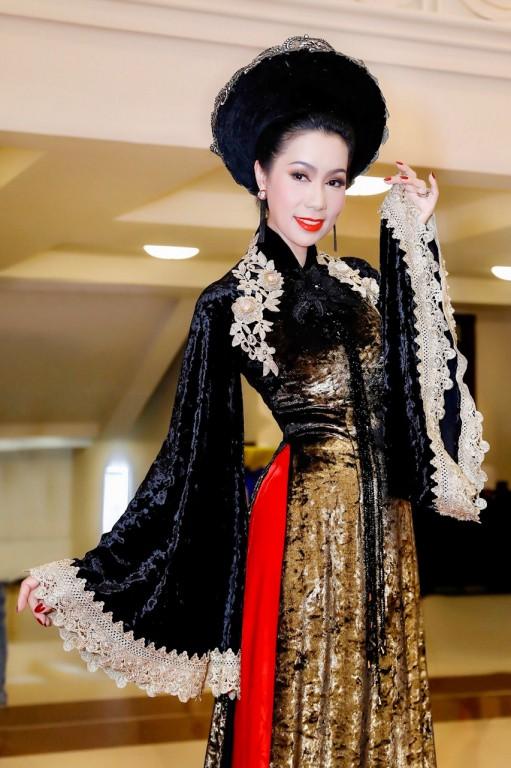 Á hậu Trịnh Kim Chi: 9 năm yêu Quyền Linh, có quá nhiều biến cố xảy ra khiến chúng tôi chia tay - Ảnh 7.