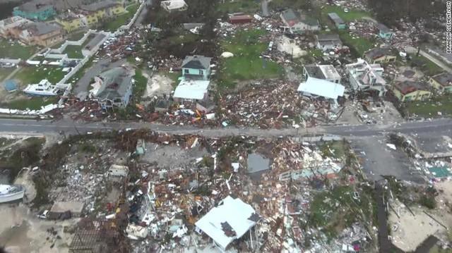 Khung cảnh như tận thế sau khi siêu bão lớn thứ 2 lịch sử Đại Tây Dương quét qua Bahamas - Ảnh 1.