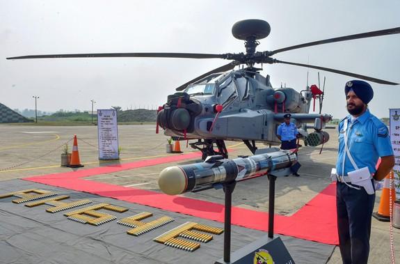 Ấn Độ đưa vào biên chế trực thăng tấn công Apache - ảnh 2