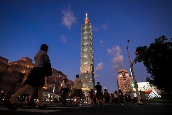 NYT dự đoán kịch bản chiến tranh: Đài Loan tắt điện, Trung-Mỹ choảng nhau - Mỹ nhiệt tình quá sẽ gây họa? - Ảnh 3.