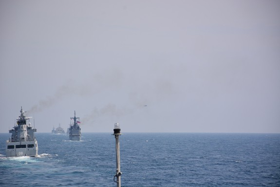 Tàu Hải quân Việt Nam hoàn thành tốt các khoa mục Diễn tập AUMX - Ảnh 5.