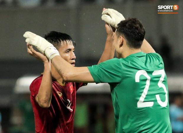 Văn Lâm kể về tình huống thót tim cuối trận gặp Thái Lan: Lúc ấy thực sự sung sướng vì không bị thủng lưới - Ảnh 3.