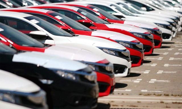 Thuế tăng mạnh, ô tô nhập khẩu nỗi lo tăng giá mạnh - Ảnh 1.