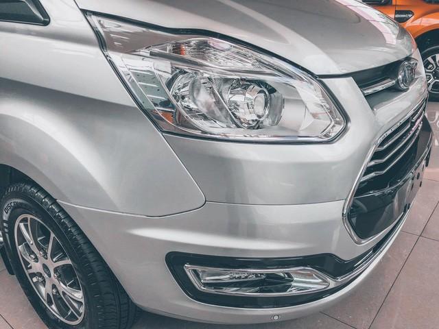 Ford Tourneo bản thương mại ồ ạt về đại lý, giá dự kiến rẻ hơn Kia Sedona - Ảnh 5.