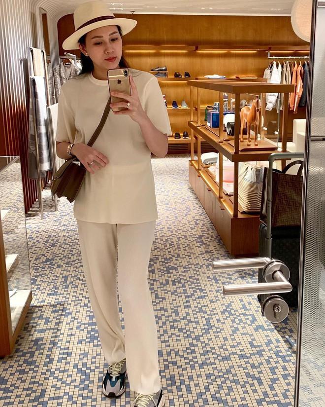 Ngọc Thạch: Nàng siêu mẫu ở ẩn sau đám cưới 7 tỷ, là đại gia hàng hiệu ngầm với loạt clip đập hộp đếm không xuể - Ảnh 4.