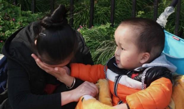 Gặp lại con sau 3 năm bị bắt cóc, người mẹ nhẫn tâm ngoảnh mặt đi và lý do khiến bao người rơi nước mắt vì cảm phục - Ảnh 2.