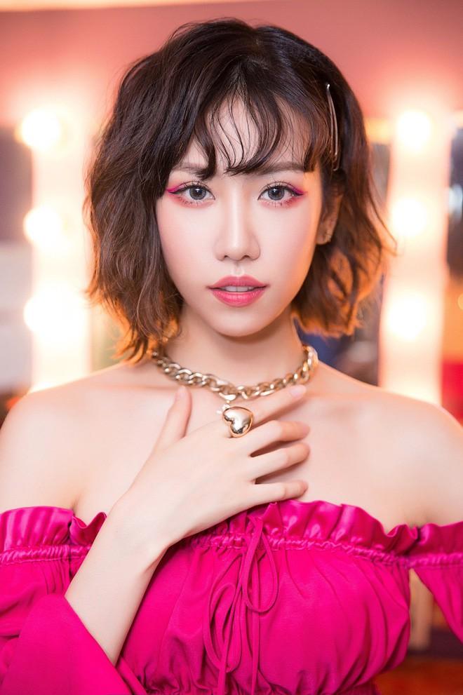 Thêm Only C, Lou Hoàng, Min và loạt ca sĩ rút tên khỏi đề cử, BTC AAA 2019 quyết định hủy bỏ hạng mục của nghệ sĩ Việt - Ảnh 2.