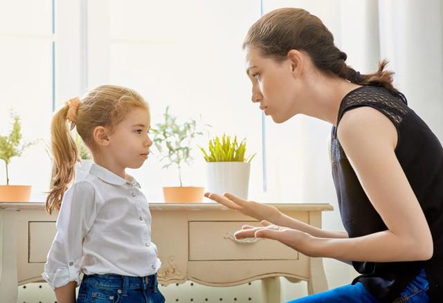 Các nhà tâm lý học chỉ ra 7 sai lầm lớn nhất trong cách nuôi dạy con cái, sẽ phá hủy sự tự tin và lòng tự trọng của trẻ: Phụ huynh cần điều chỉnh để không nuối tiếc! - Ảnh 3.
