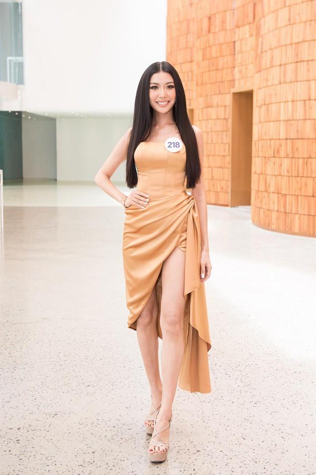 Đến casting trễ, bị tuột dây áo khi phỏng vấn, Á hậu Thúy Vân nói gì? - Ảnh 1.