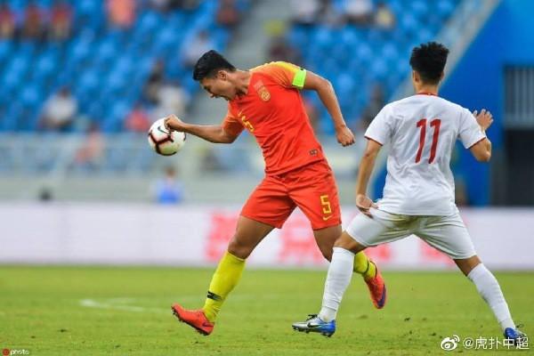Đánh bại U22 Trung Quốc, HLV Park Hang-seo vẫn tỏ ra đầy khiêm tốn trước thầy cũ Hiddink - Ảnh 1.