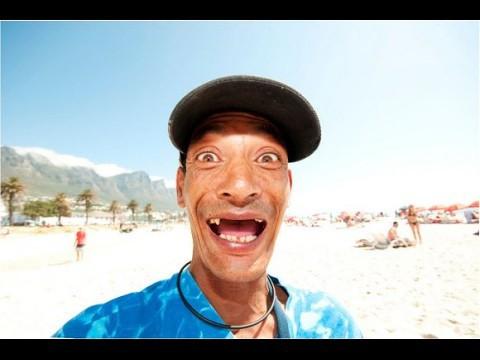 Nụ cười thiếu những chiếc răng cửa: Khoảng cách đam mê hay còn là mốt thời trang kì quặc ở Nam Phi - Ảnh 2.