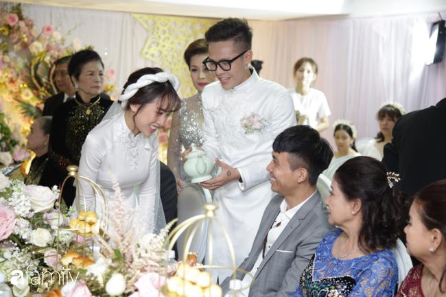 HOT: Toàn cảnh lễ đưa dâu toàn siêu xe hơn 100 tỷ của con gái đại gia Minh Nhựa, cả ngôi nhà tràn ngập hoa tươi - ảnh 11